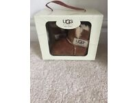 Ugg pram boots Age 0-8 months in good used condition