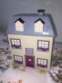House cookie jar / decorative ceramic jar