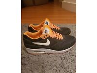 Nike Air Max - size 9