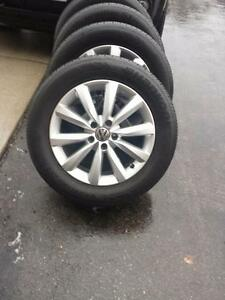 BRAND NEW TAKE OFF VOLKSWAGON TIGUAN 17 INCH FACTORY OEM WHEELS WITH HIGH PERFORMANCE  HANKOOK  235 / 55 / 17 TIRES