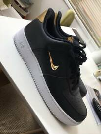 NIKE AIR FORCE 1 GOLD EDITION SIZE 10