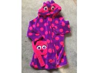 Girls dressing gown 3-4