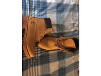 Men's timberland boots Wheat original size 9 as new no box