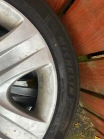 17 inch Vauxhall insignia steel wheels excellent tyres