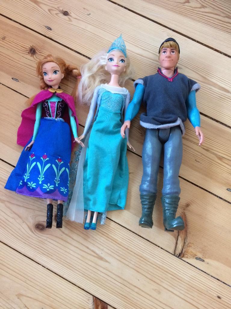 Disney's frozen doll bundle