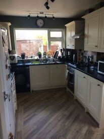 Cream shaker kitchen units for sale (appliances included)