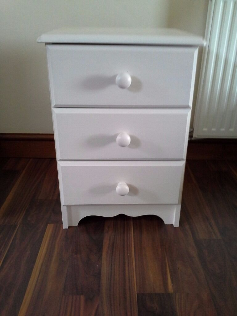 Small 3 Drawer Chest Of Drawers In Cream