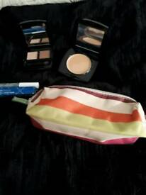 SELECTION OF NEW MAKE UP ITEMS INCLUDING MAKE UP CASE