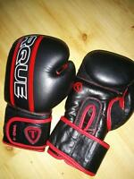 Torque boxing gloves