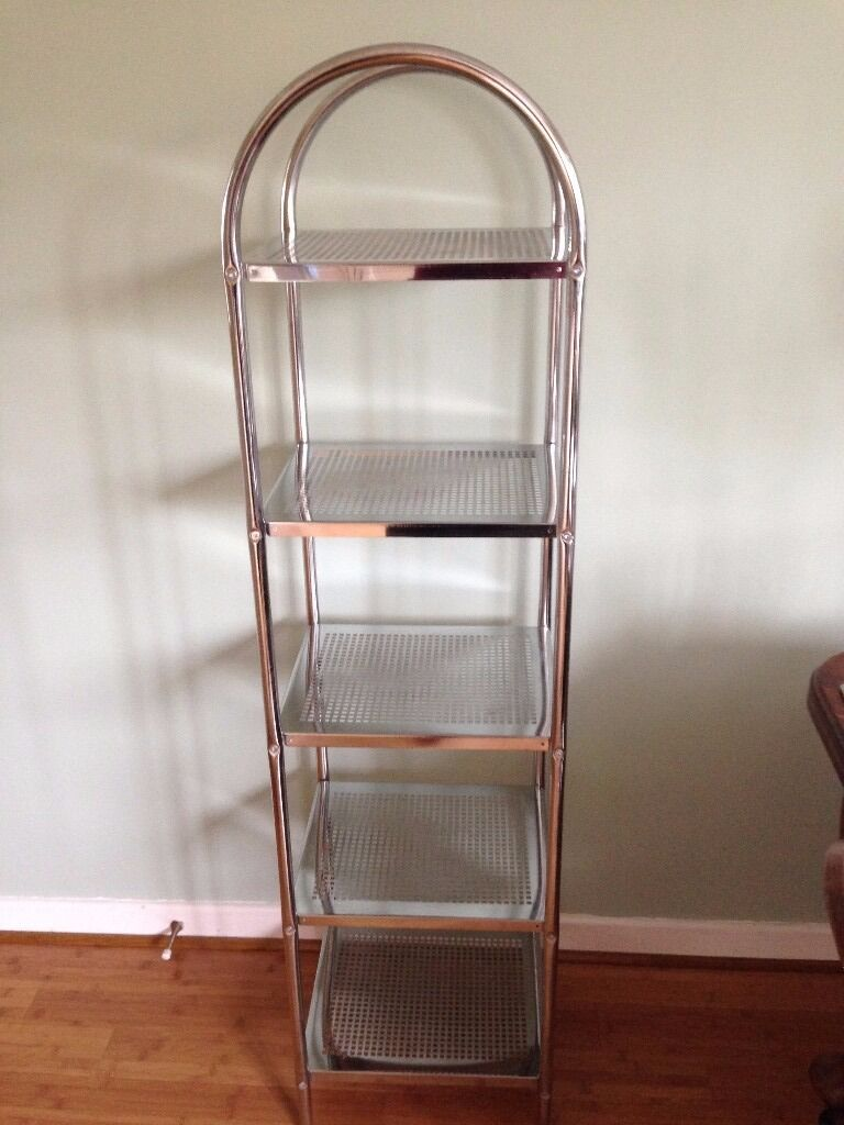 Towel storage stand, chrome plated smart no rust condition.