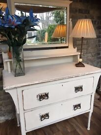 Vintage Shabby Chic Dressing Table stunning