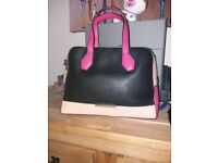 Pink peach black handbag with detachable strap