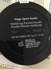 INGLOT Mattifying Pressed Powder