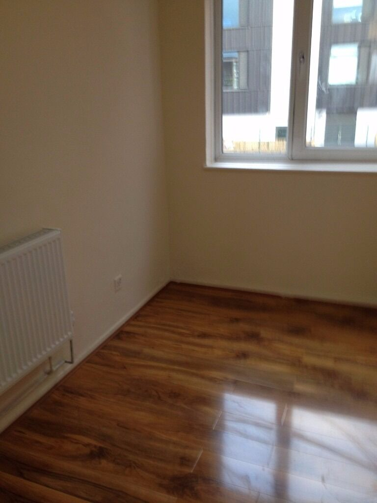 CONTEMPORARY F/F 1 BED APARTMENT AVAILABLE TO RENT IN BARKING FOR £1050PCM! SEPARATE RECEPTION!!