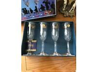 Set of 4 crystal glasses flutes