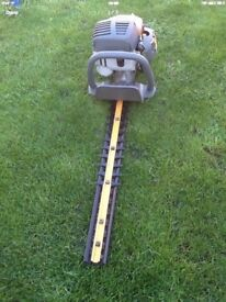 Ryobi Petrol Hedge Cutter with Adjustable Handle 2010 model works great cb5 £65