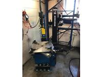 USED EUROTEK AUTO TYRE CHANGER/MACHINE & WHEEL BALANCER