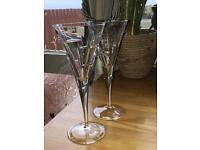 Tyrone Crystal set of 2 Cubis wine glasses.