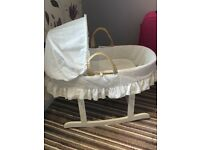 Kinder valley Moses basket