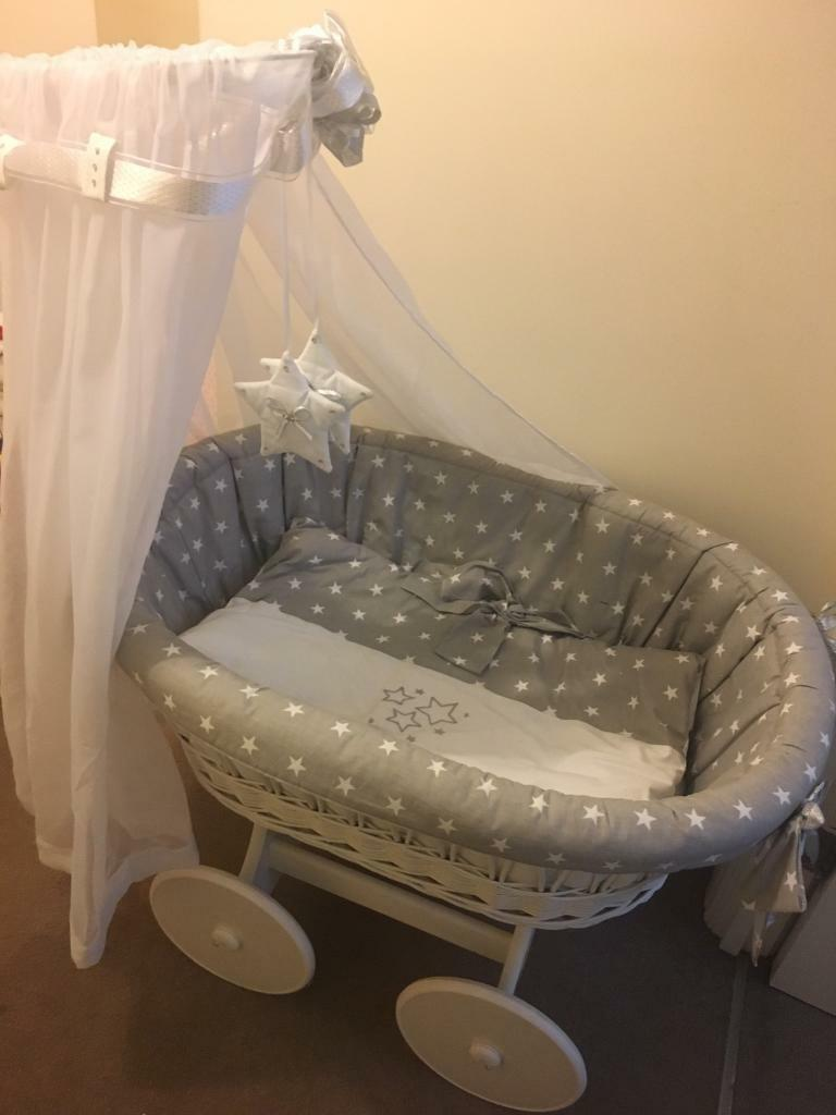 luxury large white wicker crib on wheels with grey and white stars  - luxury large white wicker crib on wheels with grey and white stars bedding