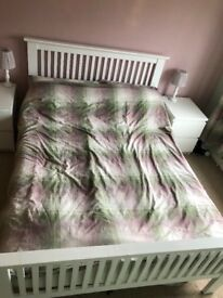 Double bed and 2 side draws