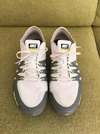 2 pairs of Nike Free Flywire 3.0 trainers