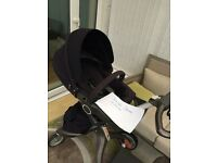 Stokke navy v3 xplory. Purple car seat and accessories
