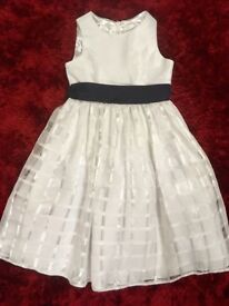 White girls layered party dress white checked. Age 8. Excellent condition