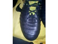 Men's Nike football boots size 7.5 fliknit all conditions