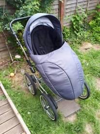 £70 Travel system pram car seat carry cot