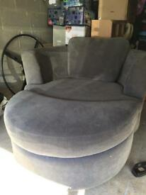 Swivel love chair with leg rest