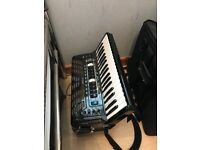Roland Fr3x accordion like new comes with case leads and Manuel