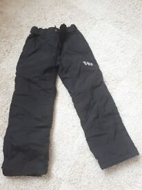 Childs black ski trousers