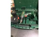 2 Bosch drills 2 battery's 1 charger