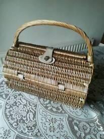 Picnic Basket Barrel Shaped