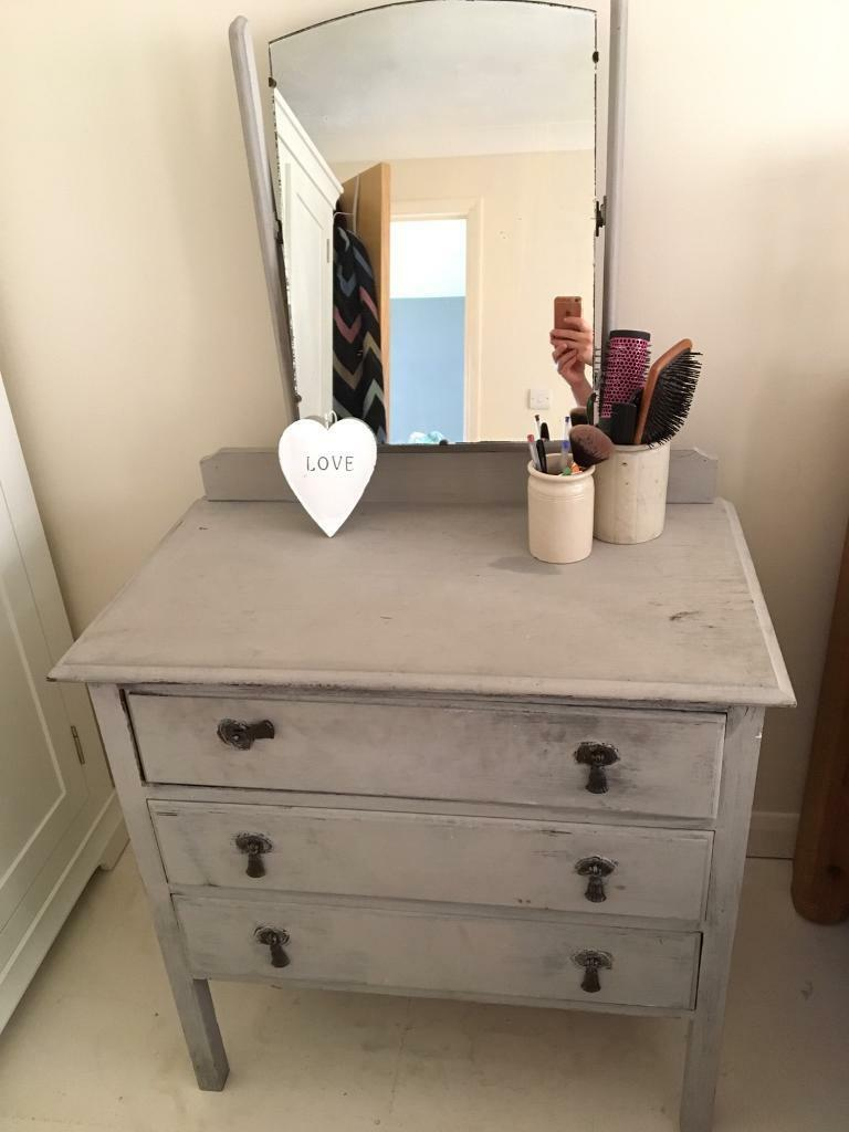 Shabby chic Paris grey dressing table