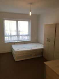 spacious 2 bed flat ilford lane part dss welcome