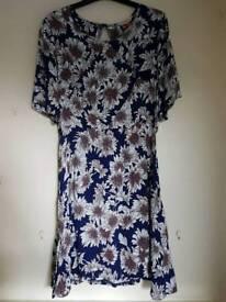Ladies dress, size 12
