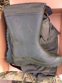 Brand new thigh waders size 9