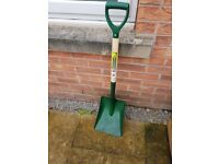 Really top quality shovel by Bull dog commercial grafe