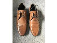 Men's tan shoes size 6