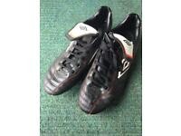 Size7 Umbro studded football boots for sale  Christchurch, Dorset