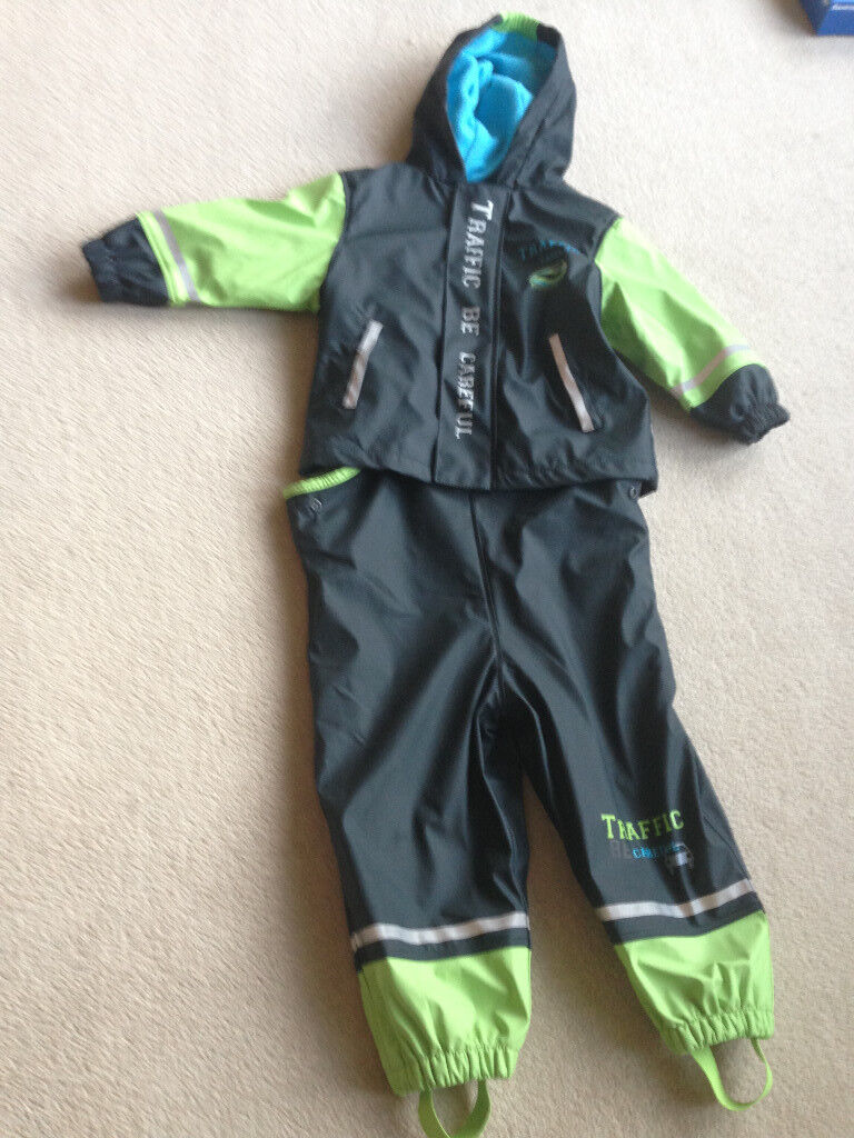 Two piece fully waterproof fleece lined splashsuit - dungarees and jacket age 1-2