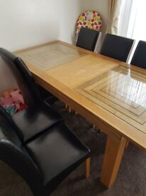 Willis & Gambier maze extending Dining table