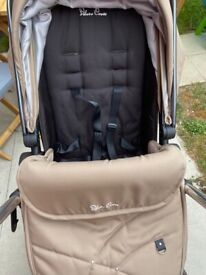 Silver Cross Pioneer pram in good condition