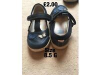 Girls shoes size 8.5G
