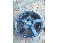 15 inch black dezent RE alloy wheels x 4