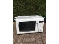 Daewoo white combination microwave, oven and grill