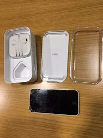 iPhone 5c in white - 32GB - Vodaphone Network - some scuffs and discolouration - factory reset