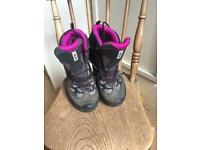 Solomon Hiking Boots Size 6
